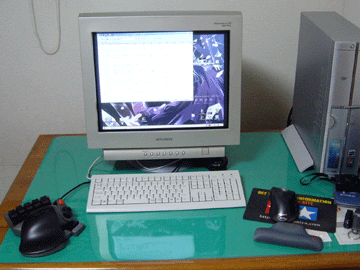 【写真: CASPAR003のデスクトップPC】