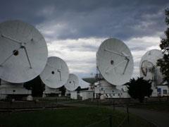 【写真: 野辺山の電波天文台】