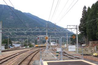 【写真: JR三河川合駅からの眺め】